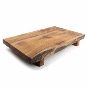 Prkénko servírovací hranaté na nohách CHOP dřevo S&P 50cm